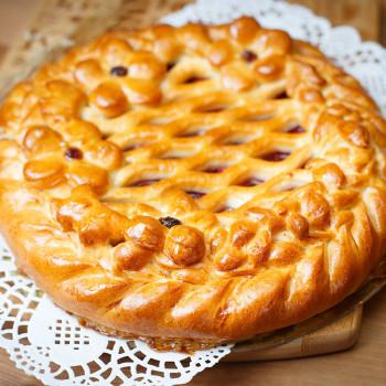 Пирог сладкий комбинации с яблоком