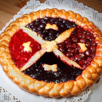 Пирог сладкий ягодный. Комбинации до 4 ягод.